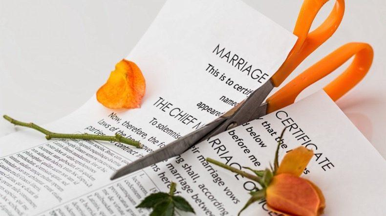 ものみの塔の民事責任考察 離婚裁判例